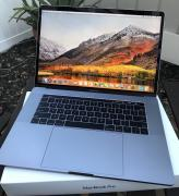Apple MacBook Pro 15.4 з Touch Bar Mid 2017, Space Gray