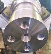 CNC machine tool end face processing of all types of railway axles